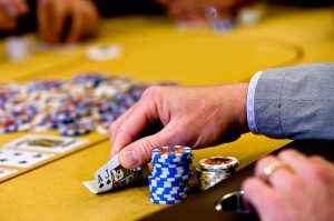 Gaining Much More Money with Online Poker Gambling Games